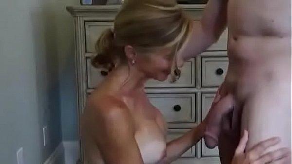 Gorgeous cuckold wife takes facial