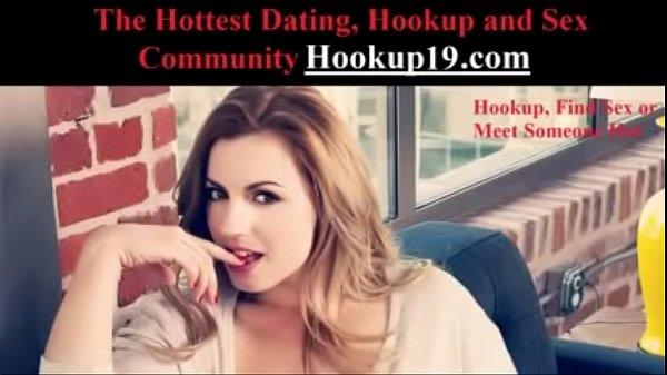 Amateur hot babe fucked in bathroom